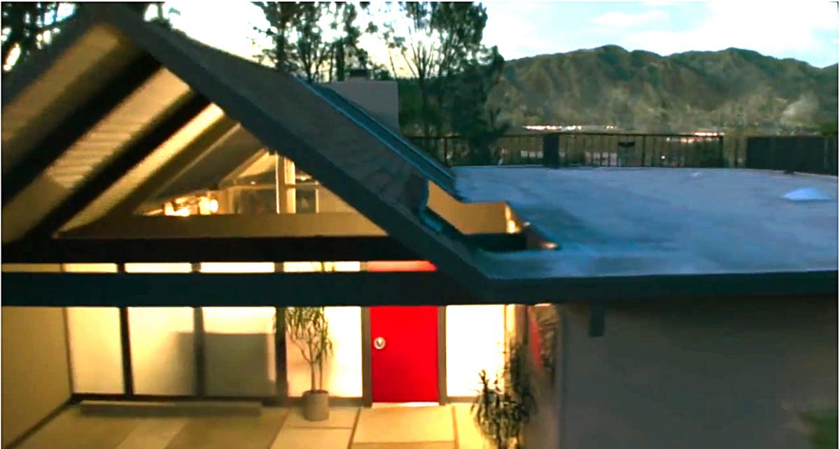 House as Cinema Star